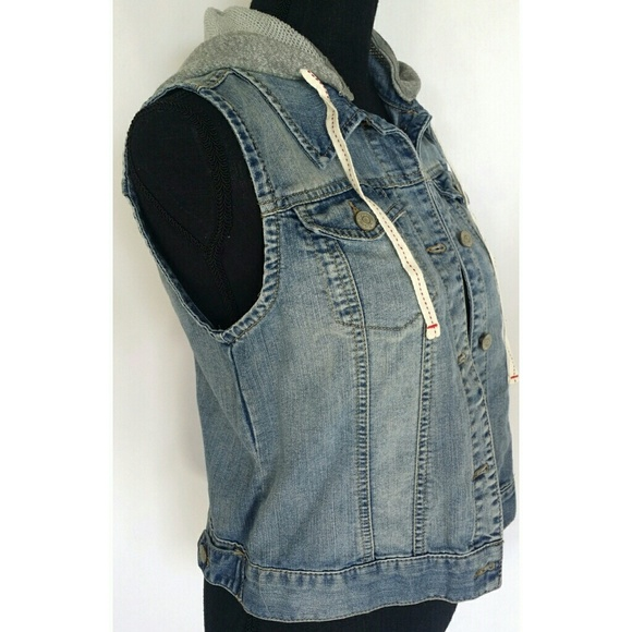 selected material skilful manufacture on wholesale NWT Mudd Distressed Jean Vest Hoodie Sz. M NWT